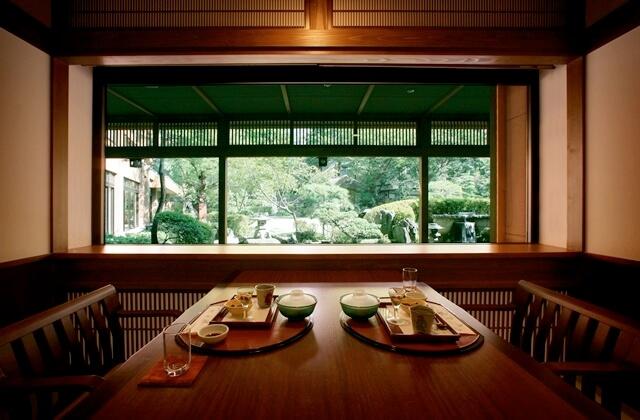 個室会食処「蔵膳」