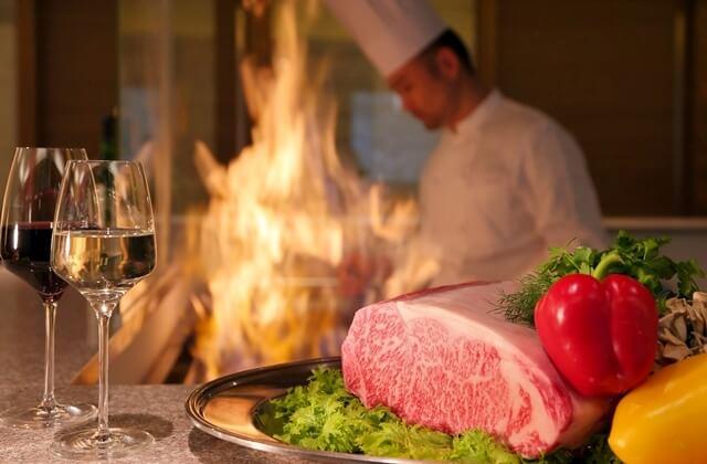 ≪滝の湯和モダン会席≫おひとりおひとりに丁寧に焼き上げる山形牛サーロインステーキと新鮮な自家製野菜の新感覚和洋食
