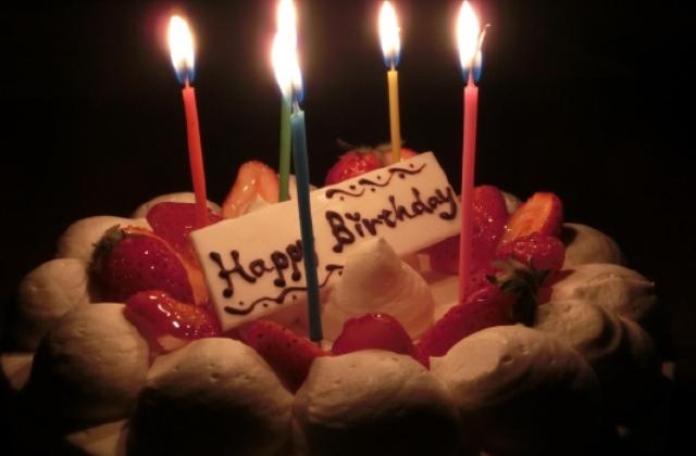 ≪Happy Birthday≫1年に1度訪れる誕生日をあなたと…ホールケーキ&ボトルワイン付バースデープラン
