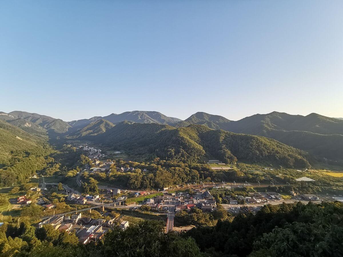 山寺五大堂からの景色天童温泉滝の湯